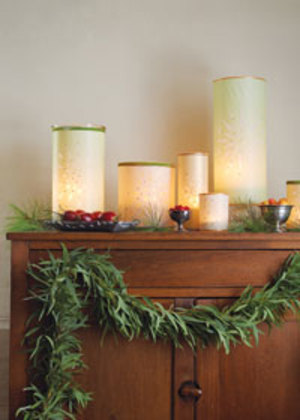 Garland_on_mantle