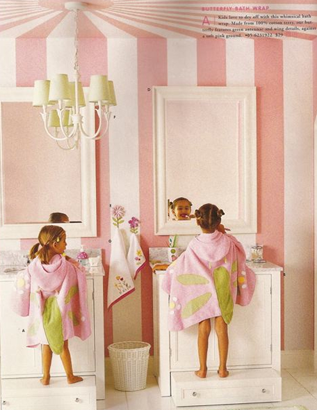 girls bath